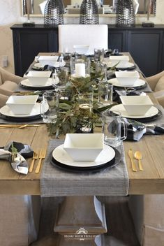 Simple Masculine Dinner Party Ideas - Home with Holliday Rose Gold Christmas Decorations, Christmas Table Settings, Christmas Dining Table, Thanksgiving Table, Classic Plates, Dinner Party Table, Dining Room Table, Dining Rooms, Dining Table Settings