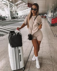 Spring /Summer outfits 5 Ways To Style Biker Shorts Airport outfit Airport outfit summer Biker Outfits Shorts Spring Style summer Ways Chill Outfits, Swag Outfits, Mode Outfits, Short Outfits, Stylish Outfits, Fashion Outfits, Red Fashion, Womens Fashion, Fashion Hacks
