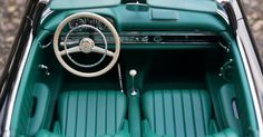 Vintage Mercedes Benz Sedan · Free Stock Photo