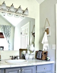 if you want to get more all these magnificent ideas about Unique Hand Towel Holders just click decoration. Bathroom Towel Hooks, Home Decor Hooks, Decorative Hand Towels, Grey Interior Design, Big Bathrooms, Contemporary Decor, Bathroom Ideas, Bath Ideas, Polished Casual