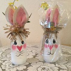 Easter Decor Country Home Bunny Lover Housewarming Gift Prim Easter Bunny Jar Country Kitchen Burlap Decor Holiday - illustrated ideas Easter Projects, Easter Crafts For Kids, Crafts To Do, Diy Crafts, Easter Decor, Easter Gift, Wood Crafts, Wine Bottle Crafts, Mason Jar Crafts