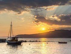 "Manolis Magganaris on Instagram: ""Messinia,Greece . . . . . #sunset_today #sunset🌅 #sunsets #sunset_pics #sunset_hunter #sunsetgreece #messinia #kardamyli #visitgreece…"" Sunset Pics, Sunset Pictures, Sunsets, Greece, Celestial, Outdoor, Instagram, Greece Country"
