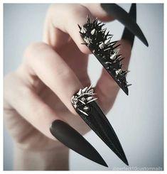 How to easily remove a glitter nail polish - My Nails Gorgeous Nails, Pretty Nails, Witch Nails, Gothic Nails, Estilo Rock, Stiletto Nail Art, Crazy Nails, Simple Nail Art Designs, Dark Nails