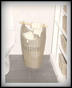 My upstairs toilet Riviera Maison, rustic rattan