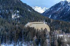 Hotel in Davos mit parametrischer Fassade / Fichtenzapfen in der Stilli - Architektur und Architekten - News / Meldungen / Nachrichten - Bau...
