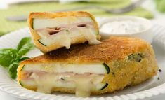 Zucchini Cordon Bleu with Camembert No Salt Recipes, Low Carb Recipes, Cooking Recipes, Healthy Recipes, Vegetable Recipes, Vegetarian Recipes, Food Inspiration, Food Dishes, Love Food