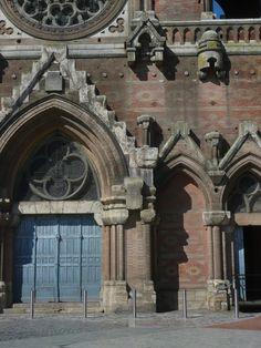Église, MONTAUBAN, France. Sobriété non planifiée.