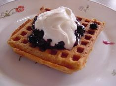 homemade whole wheat waffles - these would be perfect with a little pb in the morning for breakfast.