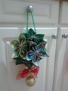 Merry Christmas - paper flower ball wreath