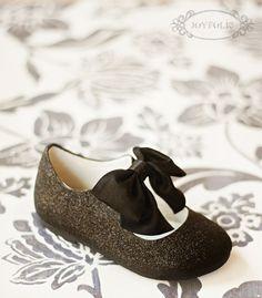 "Madelyn shoe...i think ""festive"" when i see these. :o)"