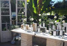 Unas invitaciones de boda muy elegantes   María Vilarino Table Decorations, Furniture, Home Decor, Wedding Invitations, Day Planners, Weddings, Elegant, Home Furnishings, Home Interior Design