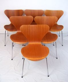Via Retro Passion 21 | Arne Jacobsen Series 7 Chairs