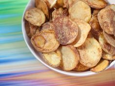 Homemade Salt and Vinegar Chips Recipe Trisha Yearwood Food Network Salt And Vinegar Chips Recipe, Salt And Vinegar Potatoes, Appetizer Recipes, Snack Recipes, Cooking Recipes, Top Recipes, Yummy Appetizers, Yummy Recipes