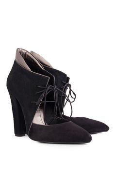 Ana Kaloni | Pantofi din piele intoarsa si blana tip ponei cu siret | WE LOVE COUTURE