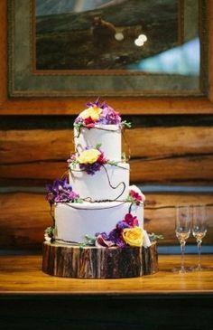 Rustic wedding cake | rusticweddingchic.com