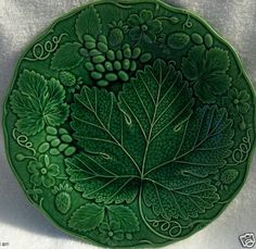 Gorgeous Antique Wedgwood Majolica Green Leaf Strawberry Plate