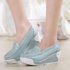 Leather Fashion, Fashion Shoes, Fashion Fashion, Fashion Dresses, Fashion Design, Jorge Gonzalez, Style Doux, Basket Style, Shoes 2015