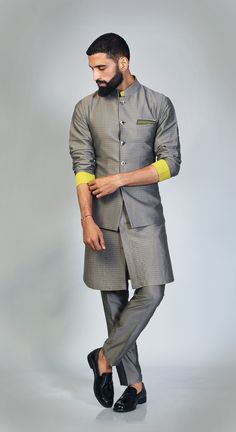 Mens Indian Wear, Mens Ethnic Wear, Indian Groom Wear, Indian Men Fashion, Mens Fashion Suits, Kurta Pajama Men, Kurta Men, Ethenic Wear, Men Wear