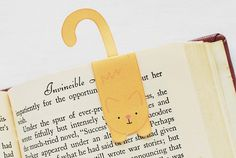 Love these: Kitty Magnet Bookmarks by wildolive, via Flickr