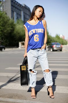 No-brand-jeans-nba-shirt-oversized-tote-sophie-hulme-bag