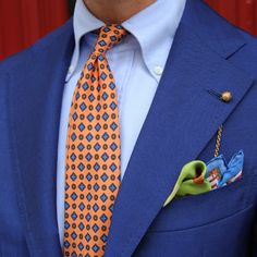 And that is a color combo properly executed Coral 7-Fold Tie and La Soukra Pocket Square.