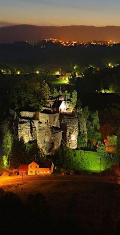 Sloup castle (North Bohemia) at night, Czechia