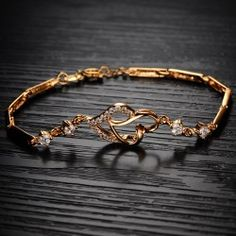 Fashion All Match Heart With Crystal 18K Gold Plated Alloy Woman's Fashion Bracelet