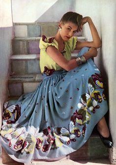 #Vintage :    Harpers Bazarr,1942