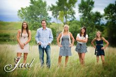 """Unique Family Portrait Poses 
