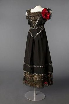 Neill evening dress ca. 1916 From the Drexel Historic Costume... by jacklyn