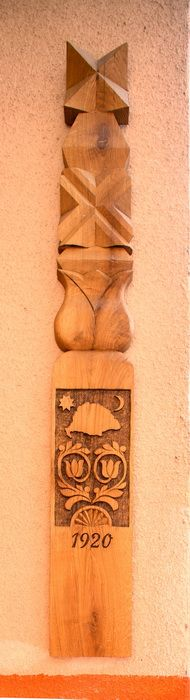 Trianon kopja Hungary, Folk Art, Marvel, Traditional, Wood, Home Decor, Woodwind Instrument, Timber Wood, Wood Planks