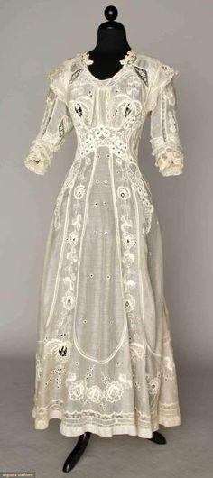 summer tea gown, 1905-1910 by evangeline