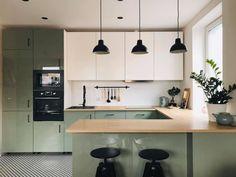 Kitchen Room Design, Modern Kitchen Design, Home Decor Kitchen, Interior Design Kitchen, Kitchen Furniture, Home Kitchens, Green Kitchen, Kitchen Sets, Ikea Kitchen