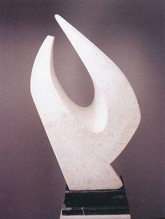 AKU DE LA ANGUSTIA Garafulic Yancovic, Lily (1914-2012) Mármol 110 cm Coleccion Particular