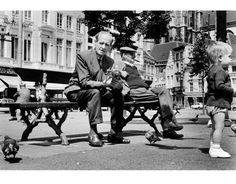 """""""In de sixties was de oude binnenstad van Antwerpen een wildernis"""" Vintage Pictures, Old Pictures, Anton Pieck, Drawing People, Belgium, Congo, History, Drawings, Places"""