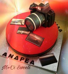 Nikon fondant camera cake