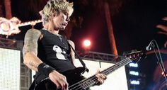 Former Guns 'N Roses bassist Duff McKagan says musicians are tired of being screwed over. Meridian Rock, a wealth management firm catering to rock stars. Duff Mckagan, Velvet Revolver, Rock News, Hello Sweetie, Wattpad, Guns N Roses, The Duff, All Star, Punk
