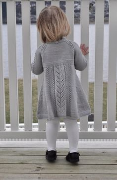 Ravelry: Soria Moria Kjole Pattern By We - Diy Crafts - Qoster Kids Knitting Patterns, Baby Sweater Patterns, Knit Baby Sweaters, Knitting For Kids, Girls Sweaters, Girls Knitted Dress, Knit Baby Dress, Baby Outfits, Kids Outfits