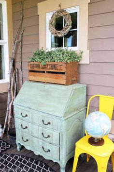 Outdoor Space Decorating Ideas for the Front Porch