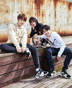 vmin bts so cute ; vmin bts run ; Namjoon, Kim Taehyung, Jimin Jungkook, Bts Bangtan Boy, Bts Boys, Jung Kook, Jikook, Jung So Min, Billboard Music Awards