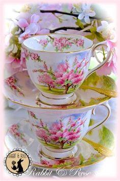 Crear tu sueño con pilas de vintage la porcelana fina de hueso tazas de té!