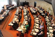 Neuer Bergisch Gladbacher Stadtrat hat seine Arbeit aufgenommen: drei Vizebürgermeister gewählt, die Ausschüsse besetzt...