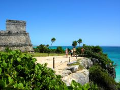 Ruins of #Tulum by the side. #Mexico