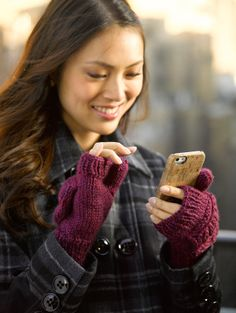Don't you just love convertible mittens in this cold weather! Perfect for accessing your phone and digging in your purse.