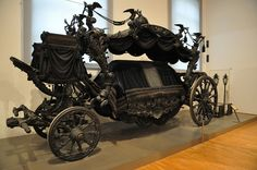 Ready for the last ride! Royal Horse Drawn Hearse: The Black Hearse, built in Wagenburg, Schloß Schönbrunn, Vienna, Austria. (Used the last time for Empress Zita). Just amazing. Cool Stuff, Flower Car, Horse Drawn, Museum, Victorian Gothic, Gothic Baby, Gothic House, Victorian Houses, Casket