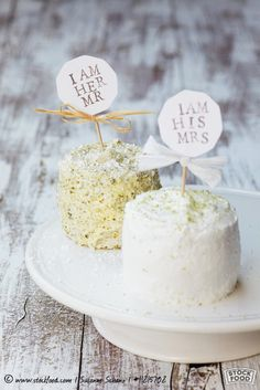 <3 ADD diy www.customweddingprintables.com <3 ...A small wedding cake with stickers