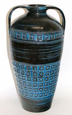 Mid Century Bitossi Rimini Blu Vase by AardewerkenZo on Etsy, €125,00