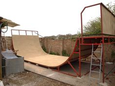 skate half pipe - Google Search Scooter Ramps, Bmx Ramps, Skateboard Ramps, Backyard Skatepark, Backyard Playground, Mini Ramp, Bmx Dirt, Skate Ramp, Bike Parking