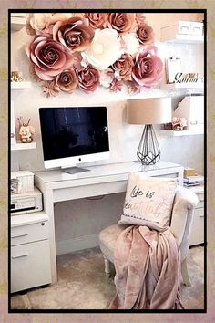 Pretty Home Office Ideas for Women - Glam Chic Home Office Inspiration - Involvery Chic G .Pretty Home Office Ideas for Women - Glam Chic Home Office Inspiration - Involvery Chic Glam Home ideas Inspiration Home Office Ideas For Women, Home Office Inspiration, Bedroom Inspiration, Home Office Design, Home Office Decor, Diy Home Decor, Office Style, Office Setup, Office Lighting