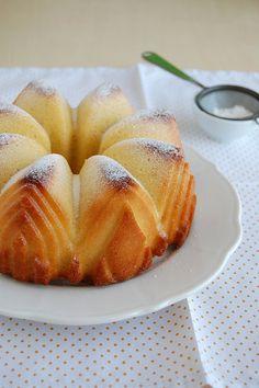 Coconut orange tea cake / Bolo de coco e laranja